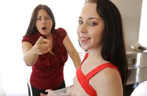 imagen Folla con su hermana a escondidas de la madre (incesto)