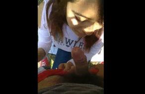 imagen Morrita mexicana mamando y cogiendo en el parque
