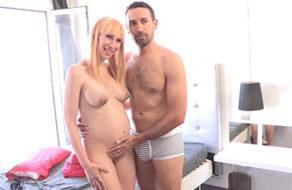 imagen Mujer embarazada hace porno porque necesita dinero (español)