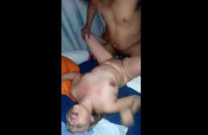 imagen Madurita cachonda con el coño lleno de leche (creampie)