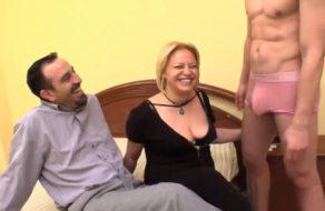 imagen Matrimonio español cumple su fantasía sexual con FaKings
