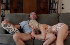 imagen Aprende a mamar vergas con su la ayuda de su padre (incesto)