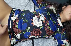 imagen Sorprende a su zorrita dormida y la coge hasta correrse dentro de ella