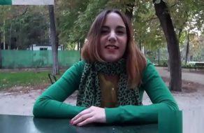 imagen Sexo duro y salvaje con una zorrita española que parece muy inocente