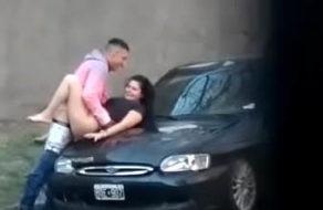 imagen Vídeo robado de una pareja latina follando en la calle